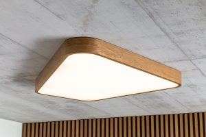 Asymetrical LED ceiling wood lamp - Trilum