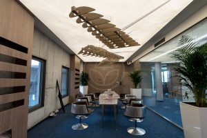 trilum-custom-made-exclusive-wooden-led-pendant-lamp-airplane-wing-realisation-1