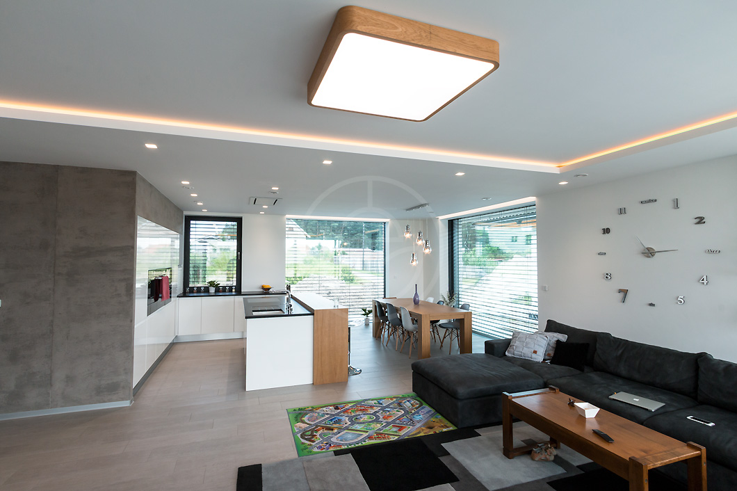 trilum-woodled-square-900-oak-wooden-led-ceiling-lamp-interior-project-5