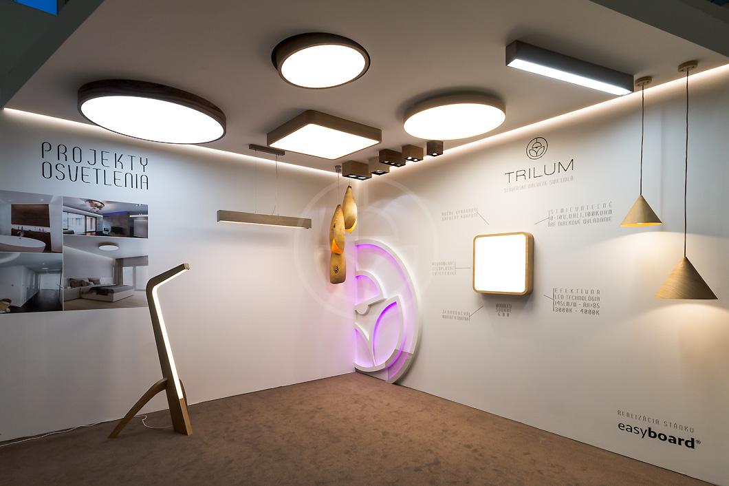 woodLED_SLEDGE-floor-led-wooden-lamp-at-exhibition-nabytok-a-byvanie-2017-nitra-slovakia-2