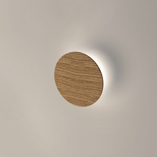 Wooden LED wall light Roondy 200. Oak solid wood with 3000K warm white LED modules included.